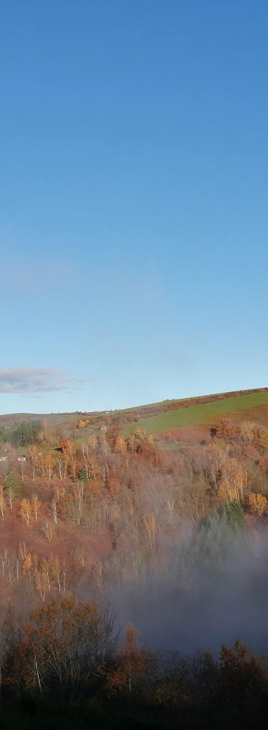 Parcours Le Fel Trail d'Aqui est l'espace trail de la Communauté de Communes Comtal Lot Truyère. 21 parcours (Bessuéjouls, Bozouls, Campuac, Coubisou, Entraygues, Espalion, Espeyrac, Estaing, Gabriac, Golinhac, La Loubière, Lassouts, Le Cayrol, Le Fel, Le Nayrac, Montrozier, Rodelle, Saint-Côme-d'Olt, Saint-Hippolyte, Sébrazac, Villecomtal) et 2 parcours demi-kilomètre vertical permettent de découvrir plus de 500 kilomètres de chemins et monotraces.
