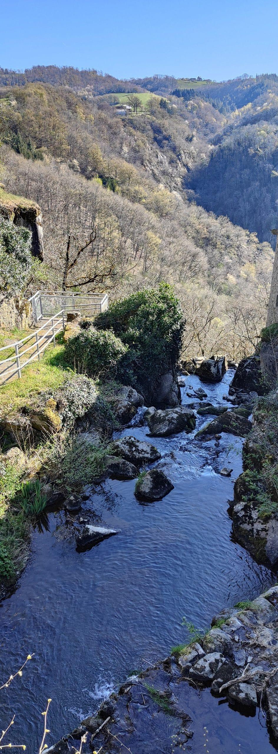 Parcours Villecomtal Trail d'Aqui est l'espace trail de la Communauté de Communes Comtal Lot Truyère. 21 parcours (Bessuéjouls, Bozouls, Campuac, Coubisou, Entraygues, Espalion, Espeyrac, Estaing, Gabriac, Golinhac, La Loubière, Lassouts, Le Cayrol, Le Fel, Le Nayrac, Montrozier, Rodelle, Saint-Côme-d'Olt, Saint-Hippolyte, Sébrazac, Villecomtal) et 2 parcours demi-kilomètre vertical permettent de découvrir plus de 500 kilomètres de chemins et monotraces.